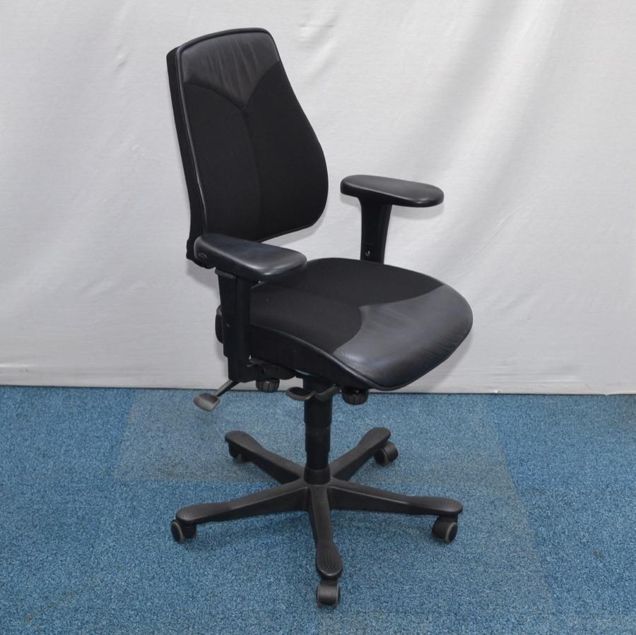 Kinnarps 8000 Leather Operators Chair