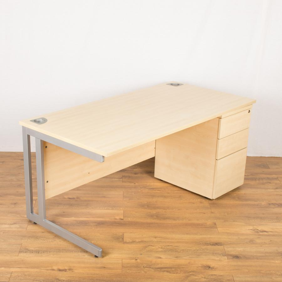 Phase Maple 1600x800 Straight Workstation
