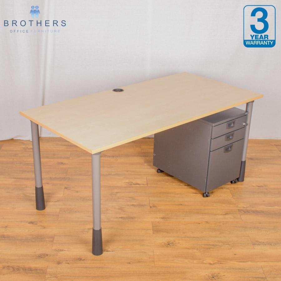 Kinnarps Maple Height Adjustable Straight Desk