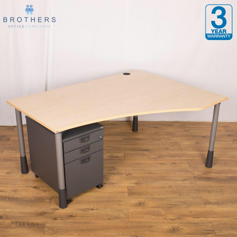 Kinnarps Maple Height Adjustable Wave Desk