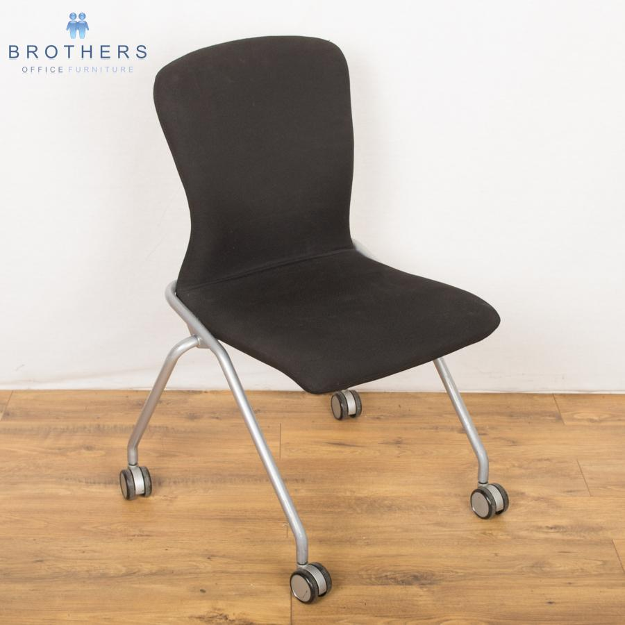Boss Wheeled Meeting Chair