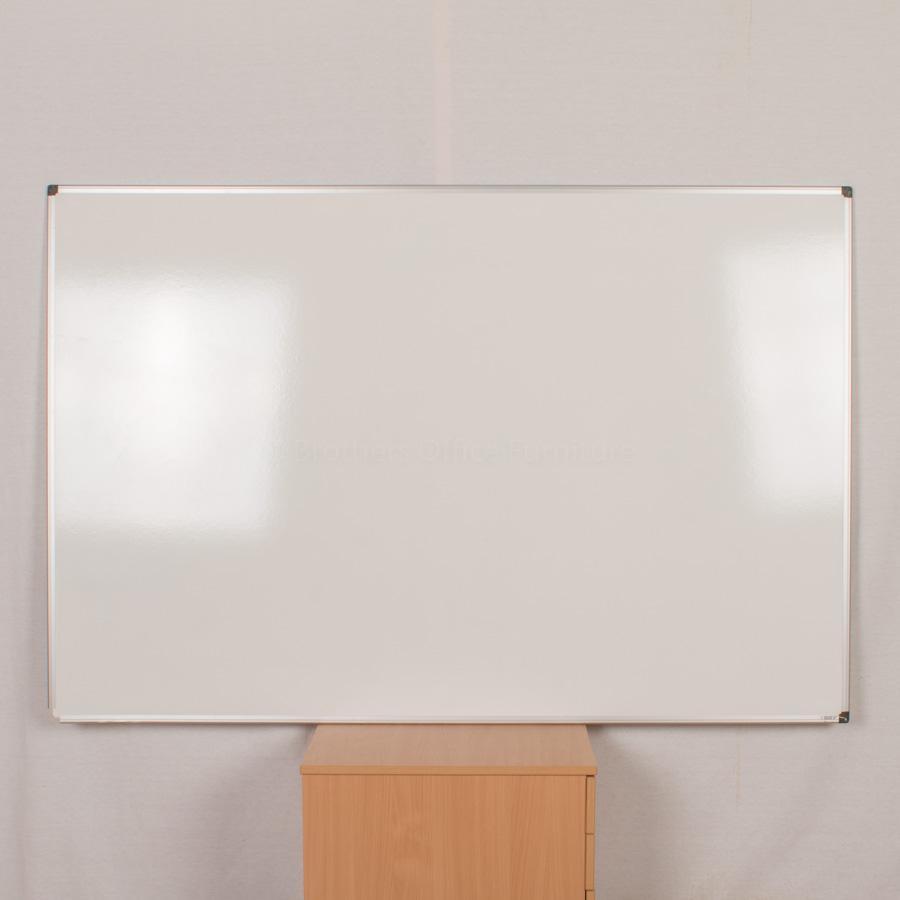 Whiteboard | 1800x1200