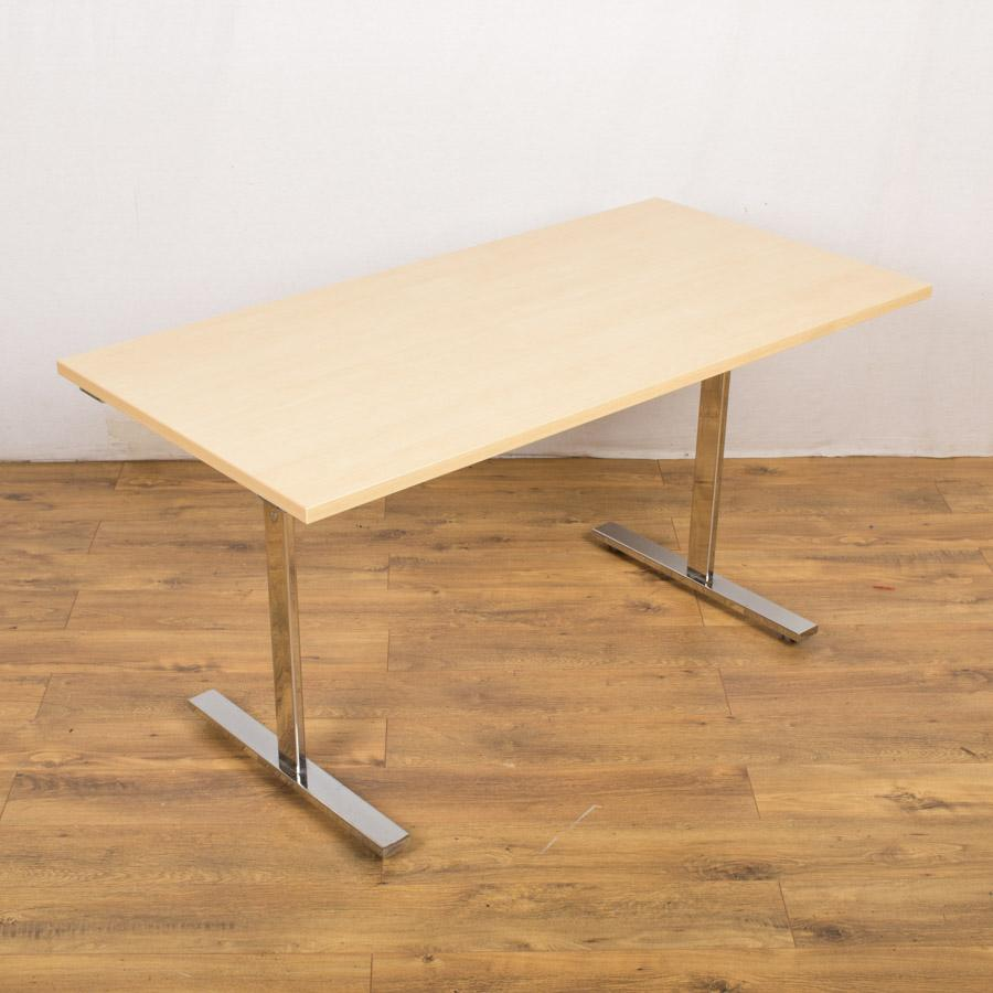 Vivante Maple 1400x700 Tilt Top Table