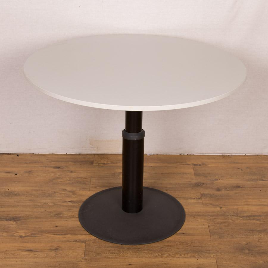 Kinnarps Light Grey 1100D Round Office Table