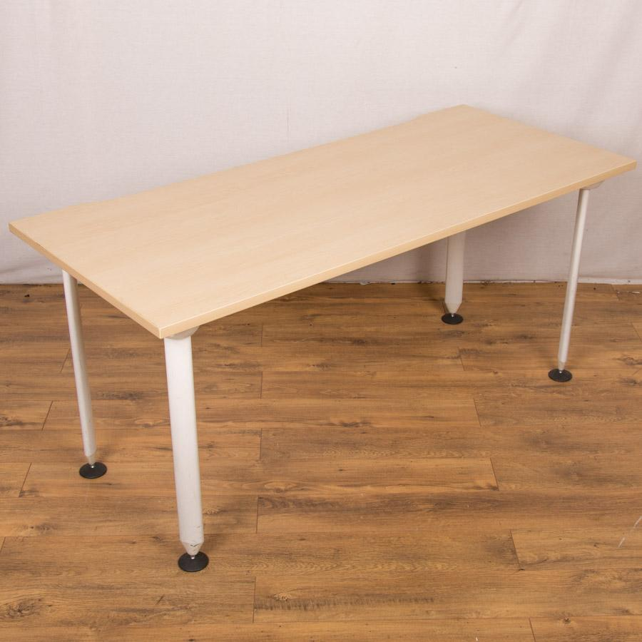 Maple 1600x700 Training Table
