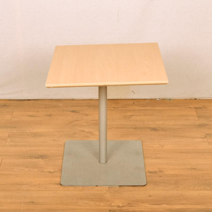 Maple 600x600 Low Square Office Table (RT34)