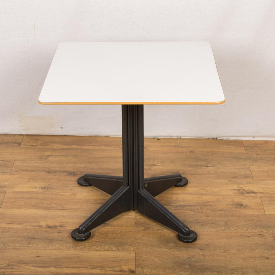 White 750x750 Square Meeting Table (RT68)