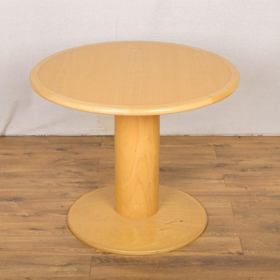 Kinnarps Beech Veneer 900D Round Office Table (RT6