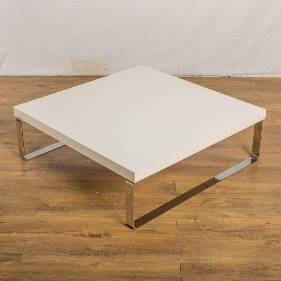 White 915x915 Coffee Table
