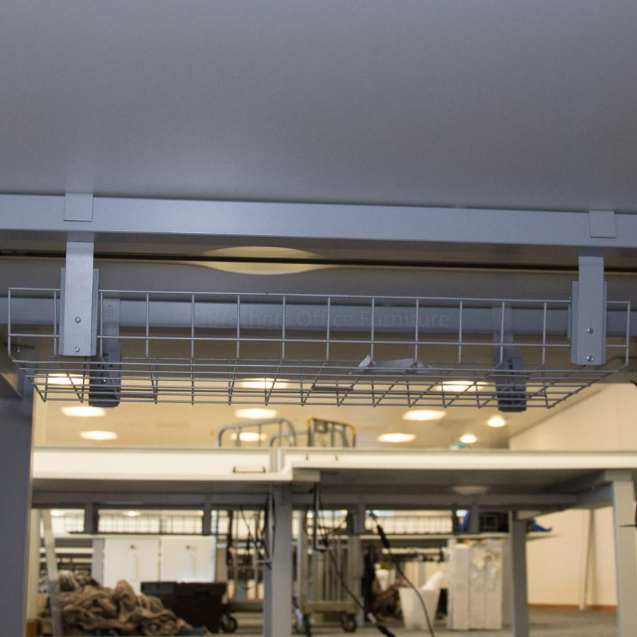 Senator Freeway White 1800x800 Bench Workstations