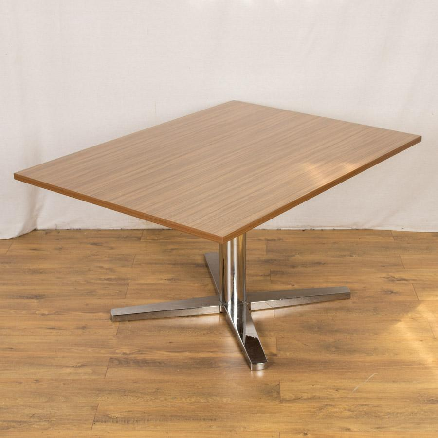 Walnut 1350x1000 Chrome Base Table (MT205)
