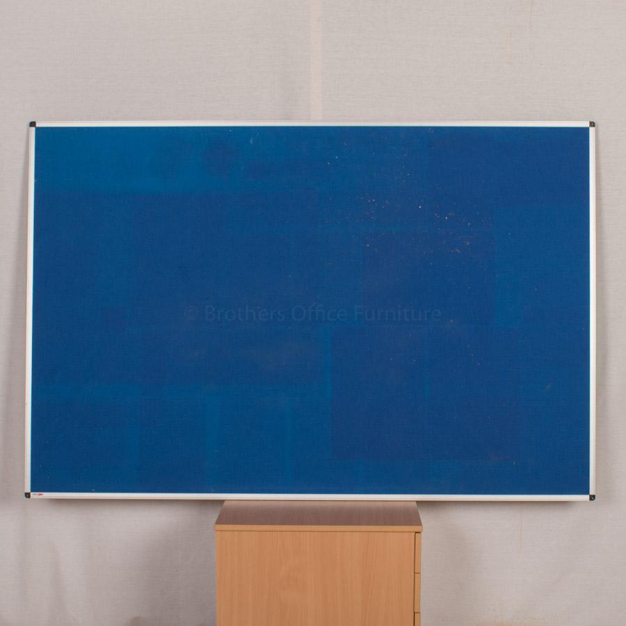 Pinboard | 1800x1200 | Blue