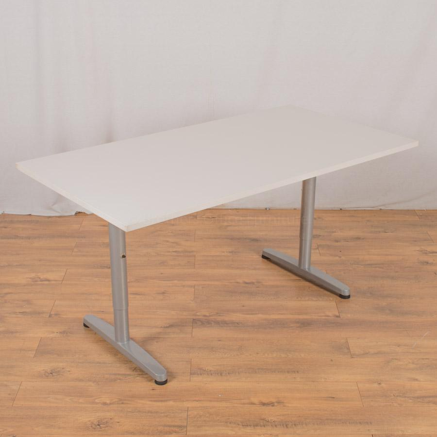White 1500x800 Meeting Table (MT218)