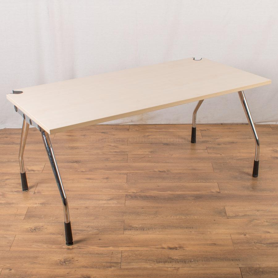 K&N Maple 1600x800 Straight Desk