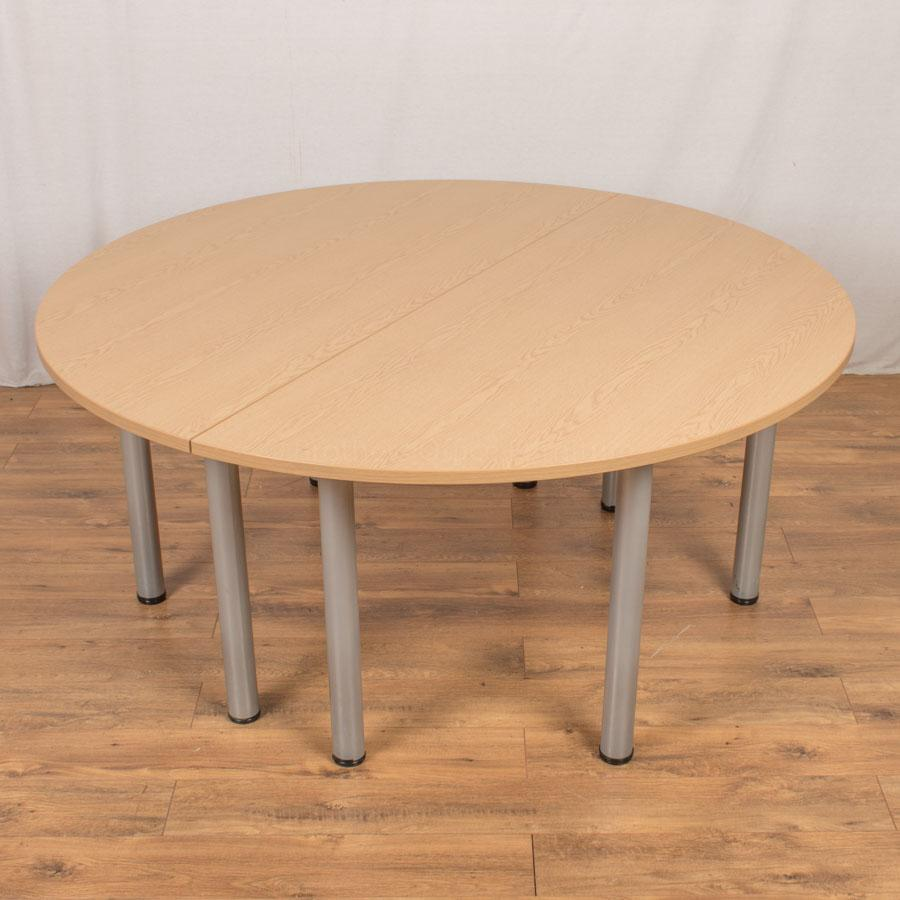 Senator Oak 1600 Round Table