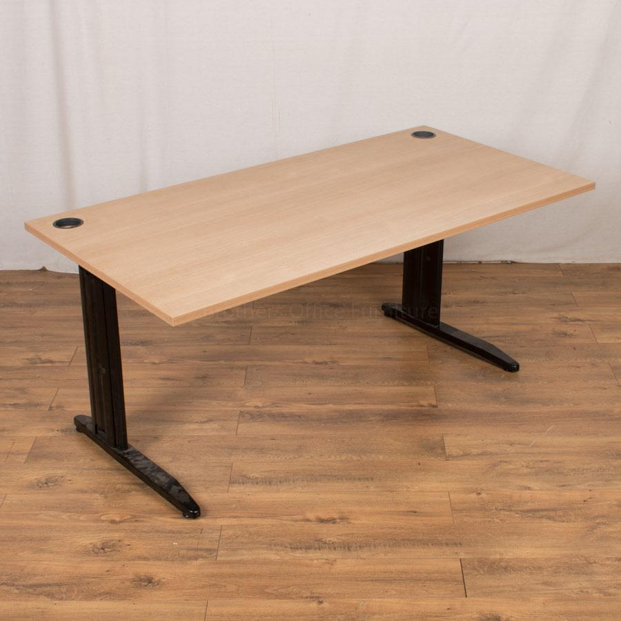 Phase Oak 1600x800 Straight Desk