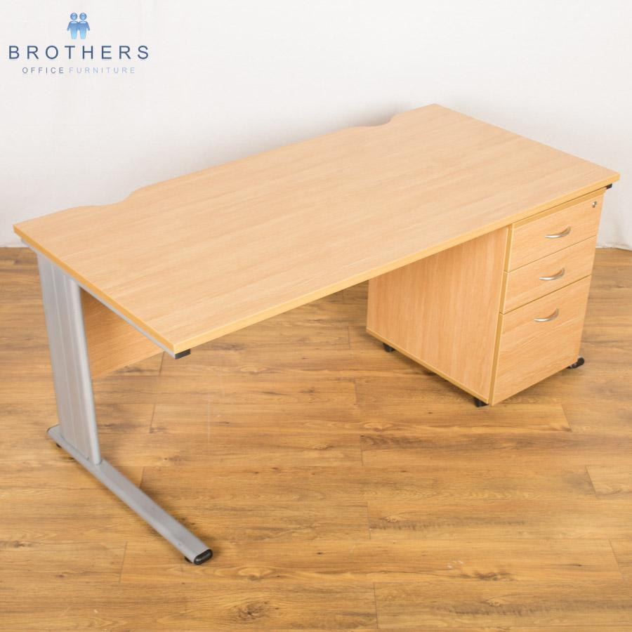 Light Oak Straight Desk (SD131)