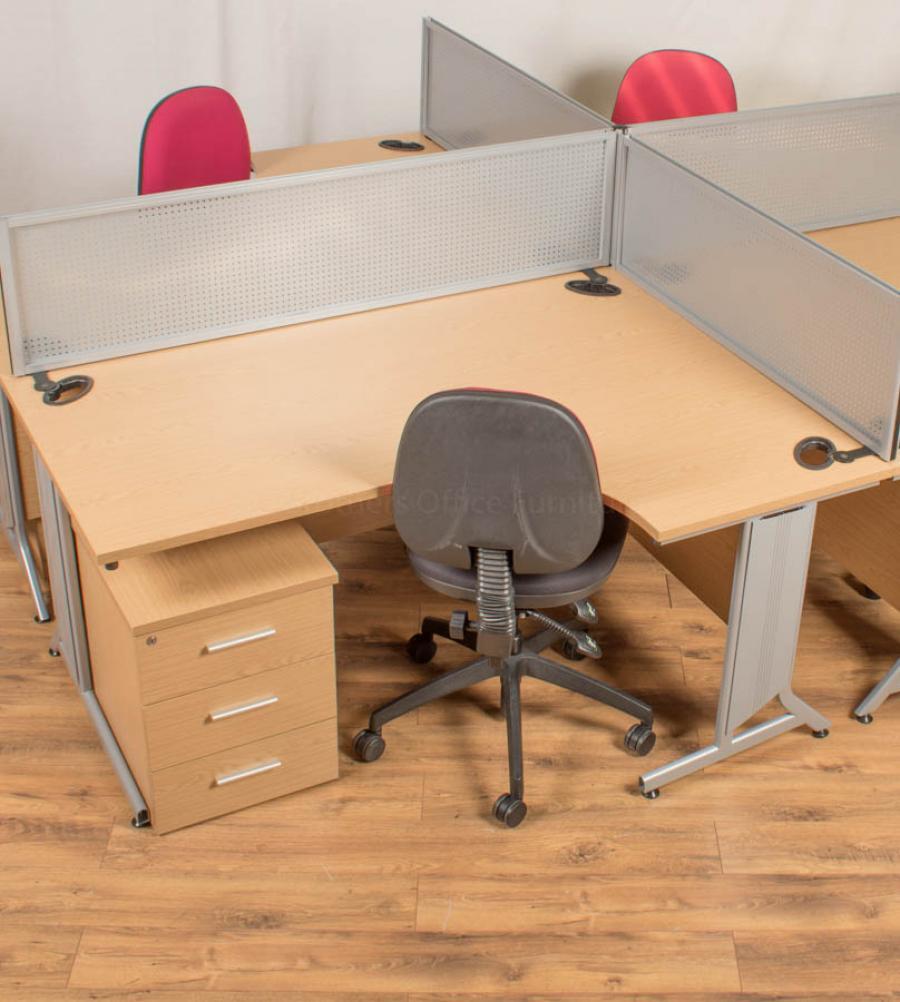 Gresham X10 Oak 1600x1200 Corner Workstation