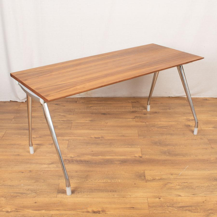Herman Miller Walnut Veneer 1500x650 Straight Desk