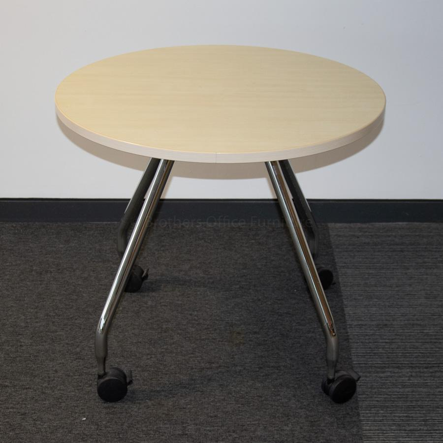 Vitra Ad Hoc Maple 800D Round Table