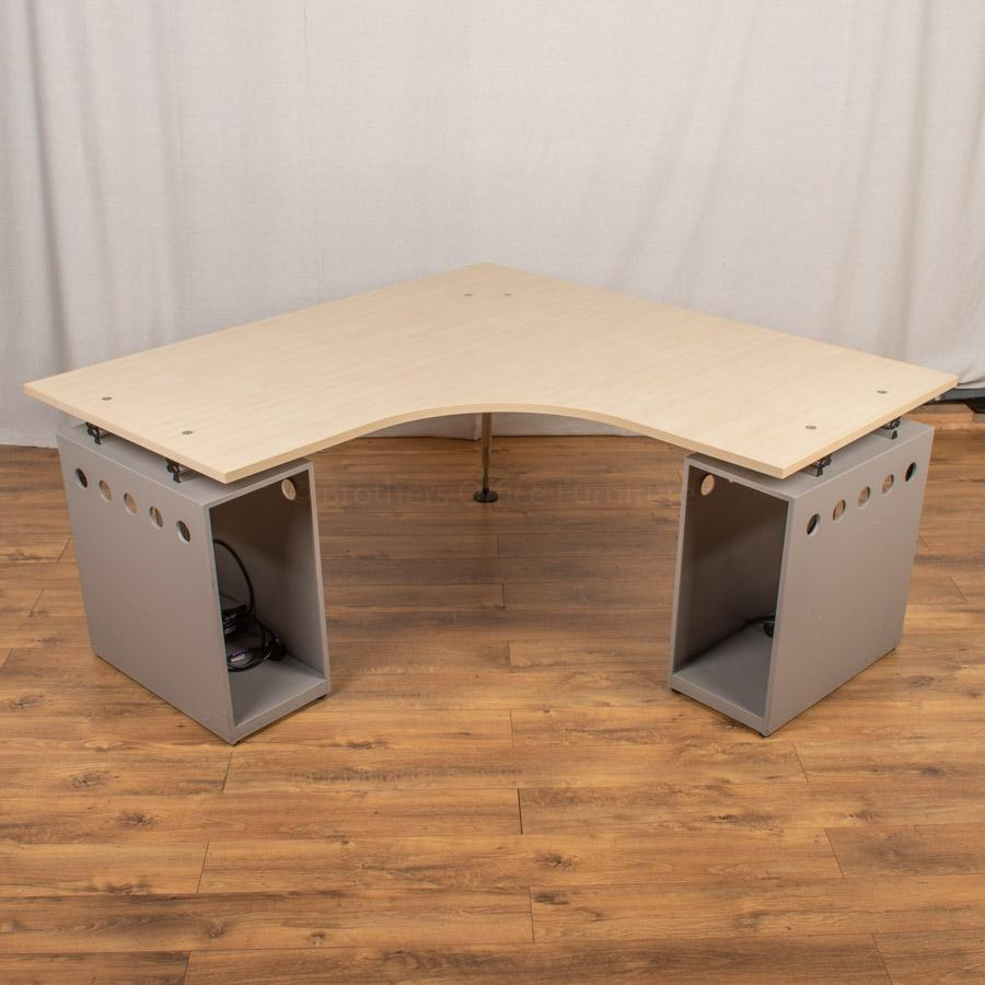 Vitra Ad Hoc Maple 1600 Corner Workstation (CW100)
