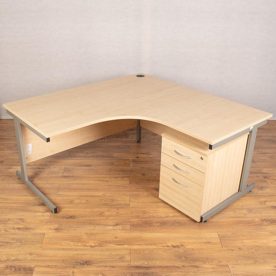 Maple 1600x1600 Corner Desk (CW107)
