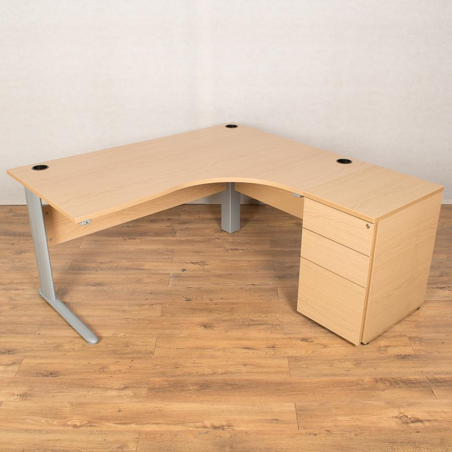Light Oak 1600x1620 Corner Workstation