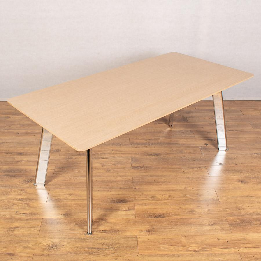 Light Oak Veneer 1800x900 Meeting Table