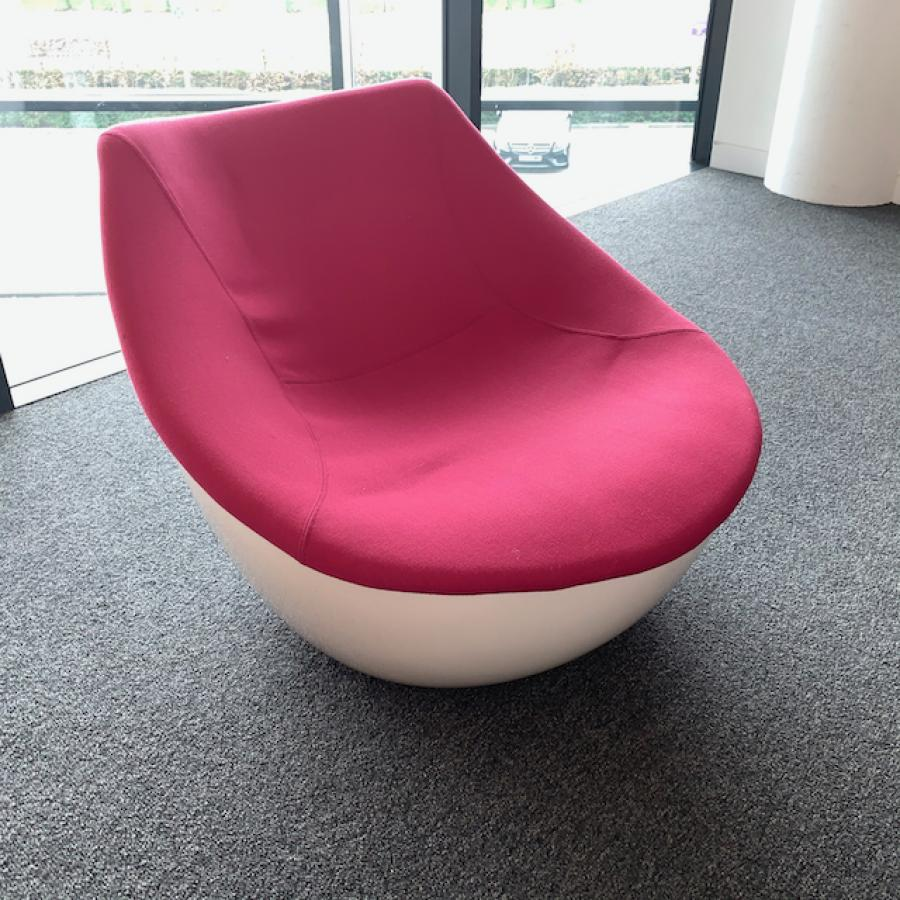 Modus Orbital Pink Breakout Chair