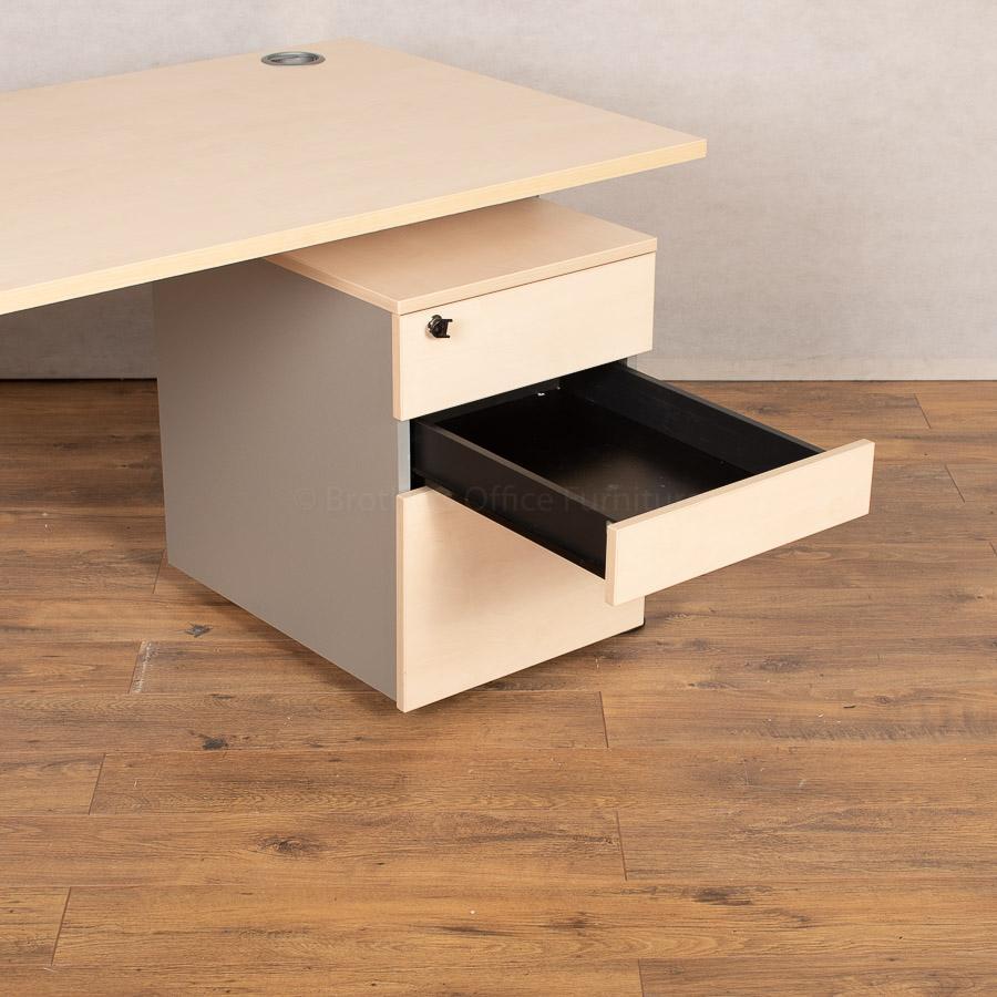 Maple 1600x800 Straight Workstation (SD178)