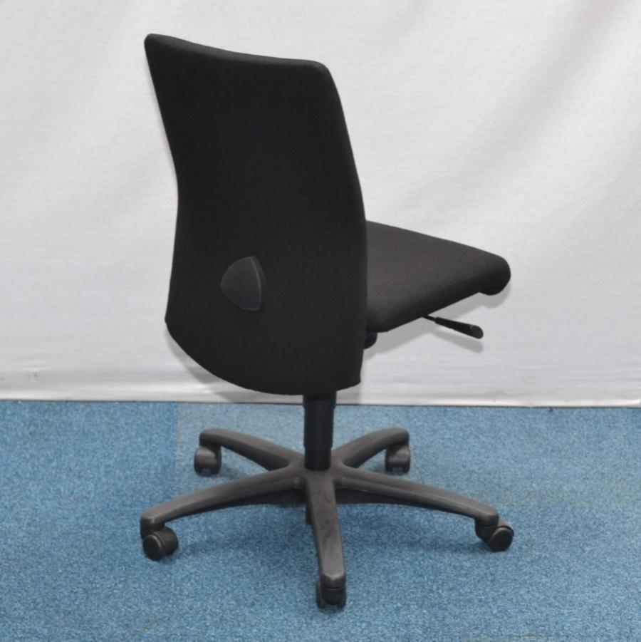 girsberger pronto operators chair with arms