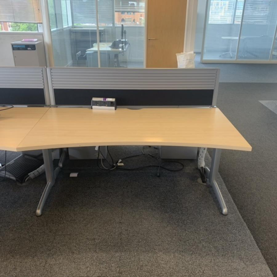 Steelcase TNT Marl Maple Double Wave Desk | Set of 2 with Screens