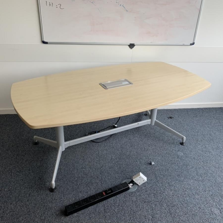 Steelcase Werndl Maple 1800x1000 Barrel Meeting Table