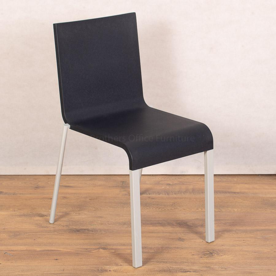 Vitra .03 Chair | Dark Blue