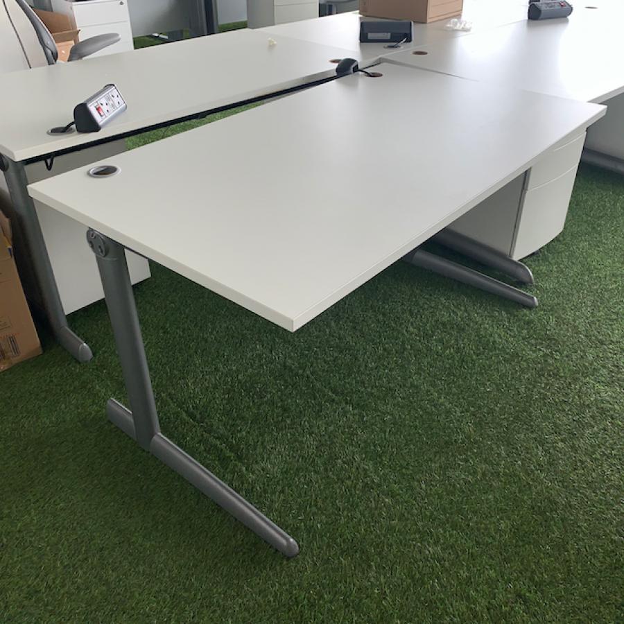 Ahrend White 1400x800 Straight Desk (SD191)