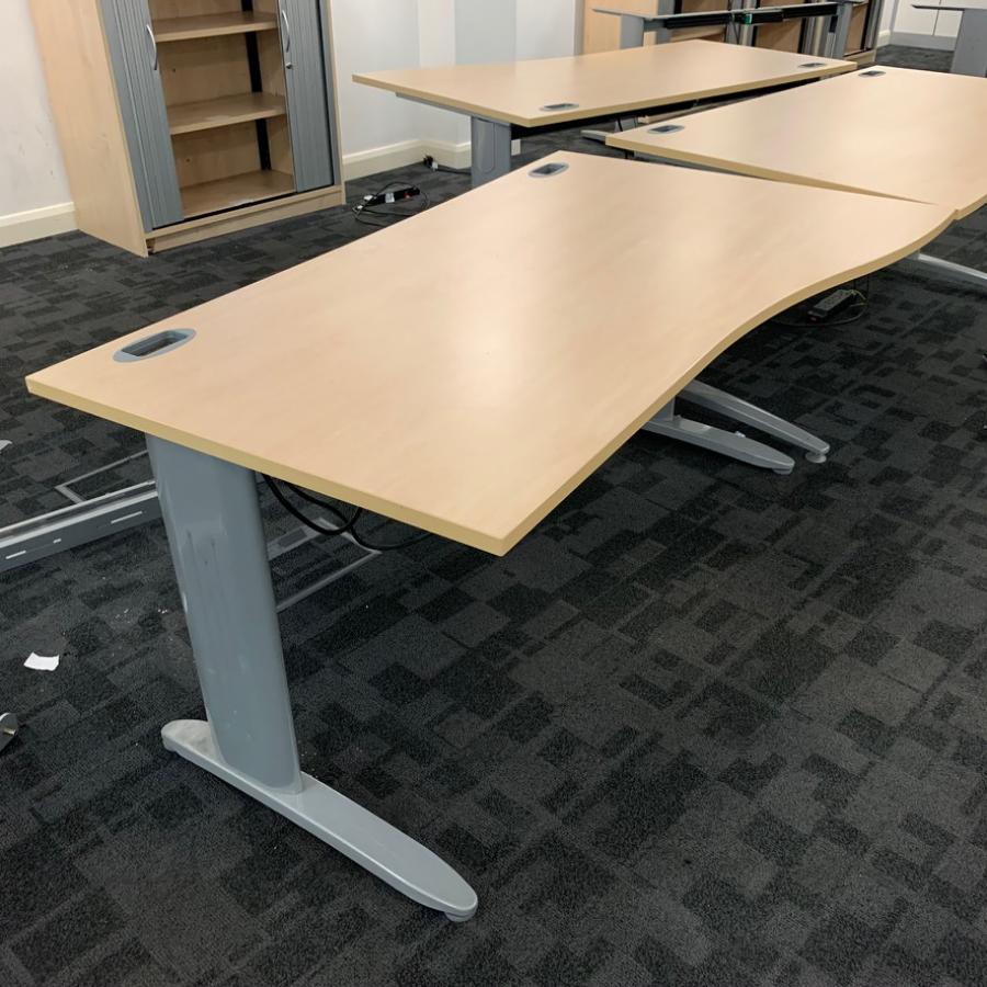Maple 1600x800 Straight Desk (SD198)