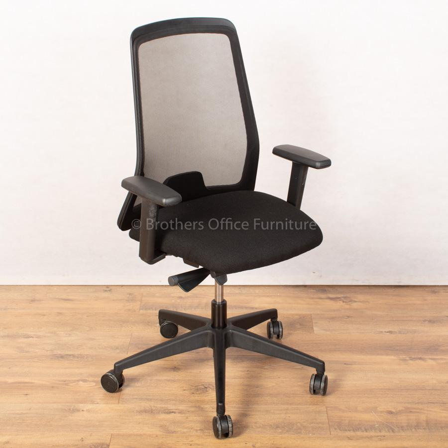 Interstuhl 172E EveryIS1 Mesh Operators Chair