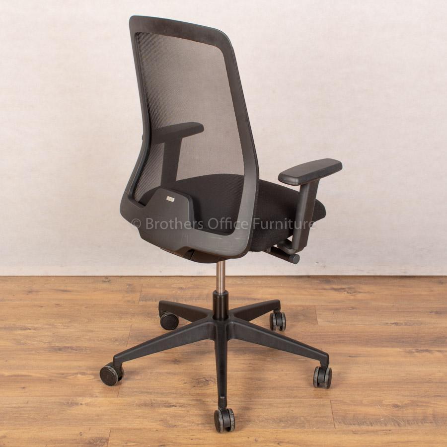 Interstuhl 172E EveryIS1 Mesh Operators Chair