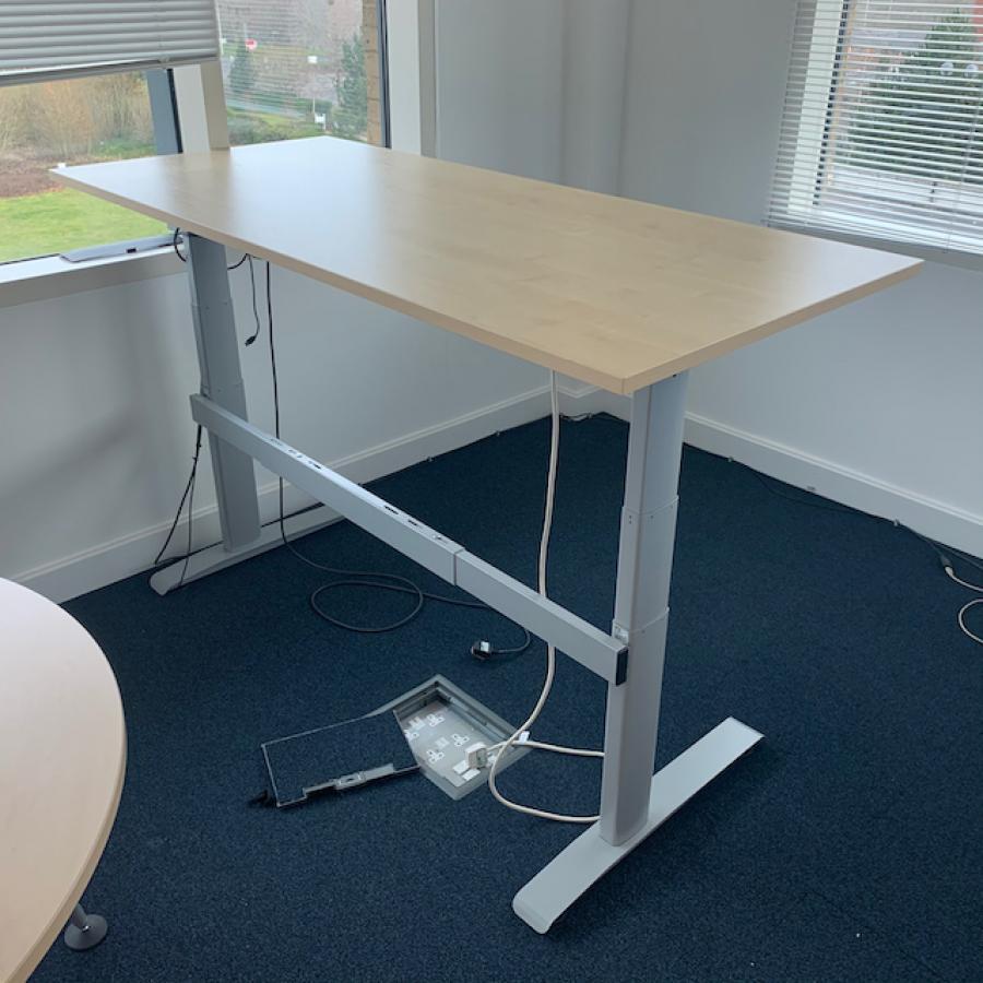 Linak Maple 1800x800 Electric Sit Stand Desk