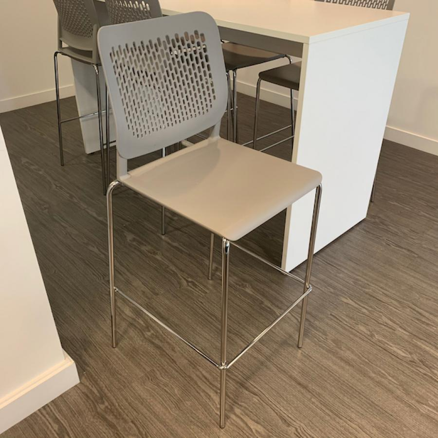 Narbutas Light Table with 6 Wait Stools