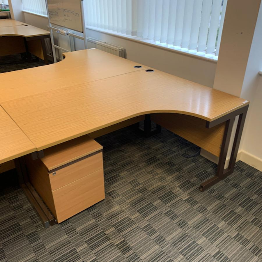 Oak 1600x1200 Corner Workstation (CW125)