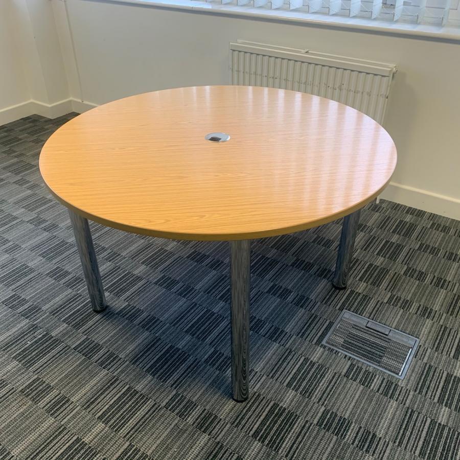 Bureau Oak 1200D Round Office Table (MT290)