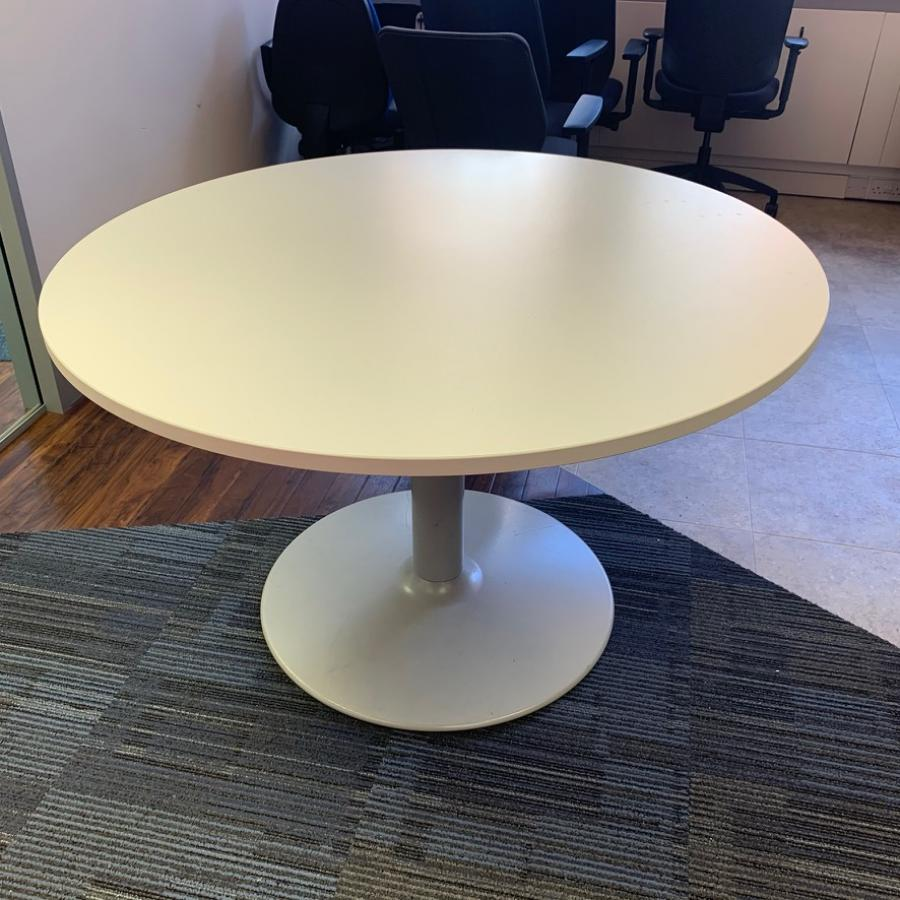 White 1200D Round Office Table (MT314)