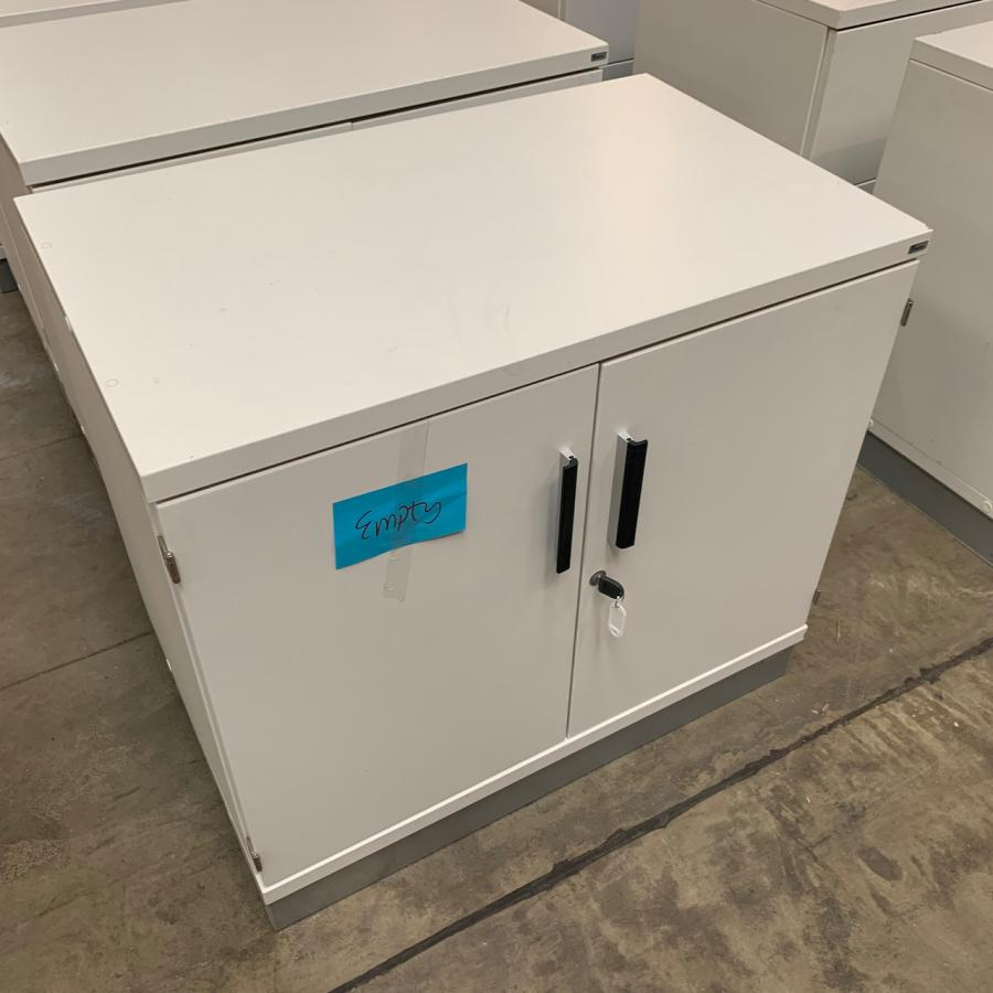 Kinnarps White 725H x 800W x 500D Office Cupboard