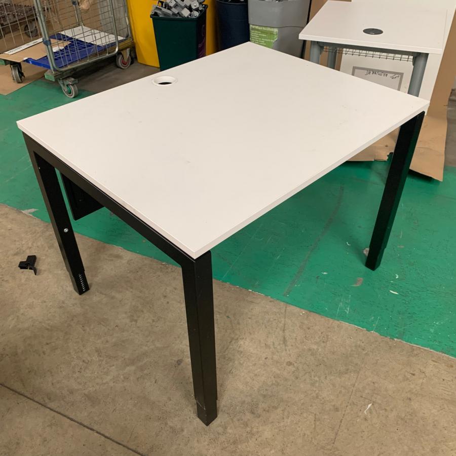 White 1000x800 Straight Office Desk