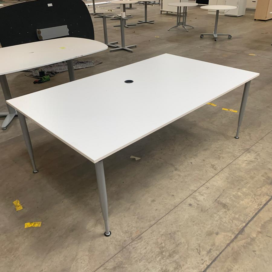Kinnarps White 2000x1200 Meeting Table
