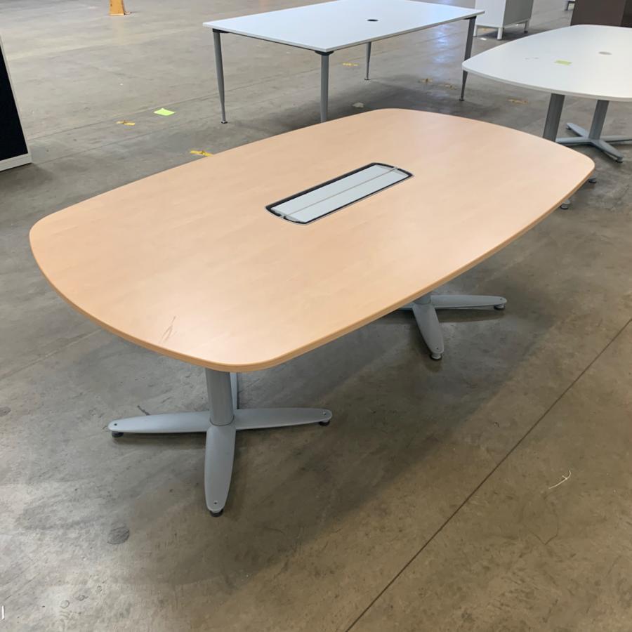 Kinnarps Maple 2000x1200 Meeting Table
