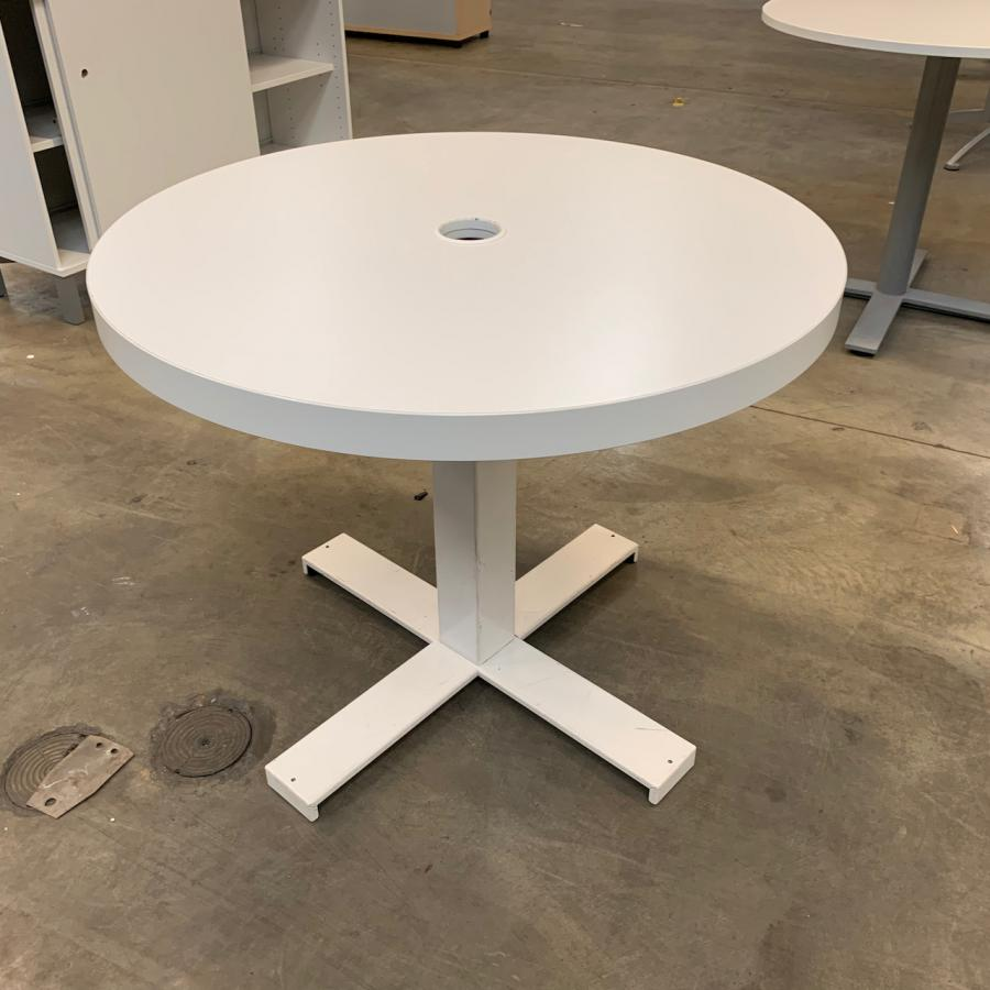 White 900D Round Office Table