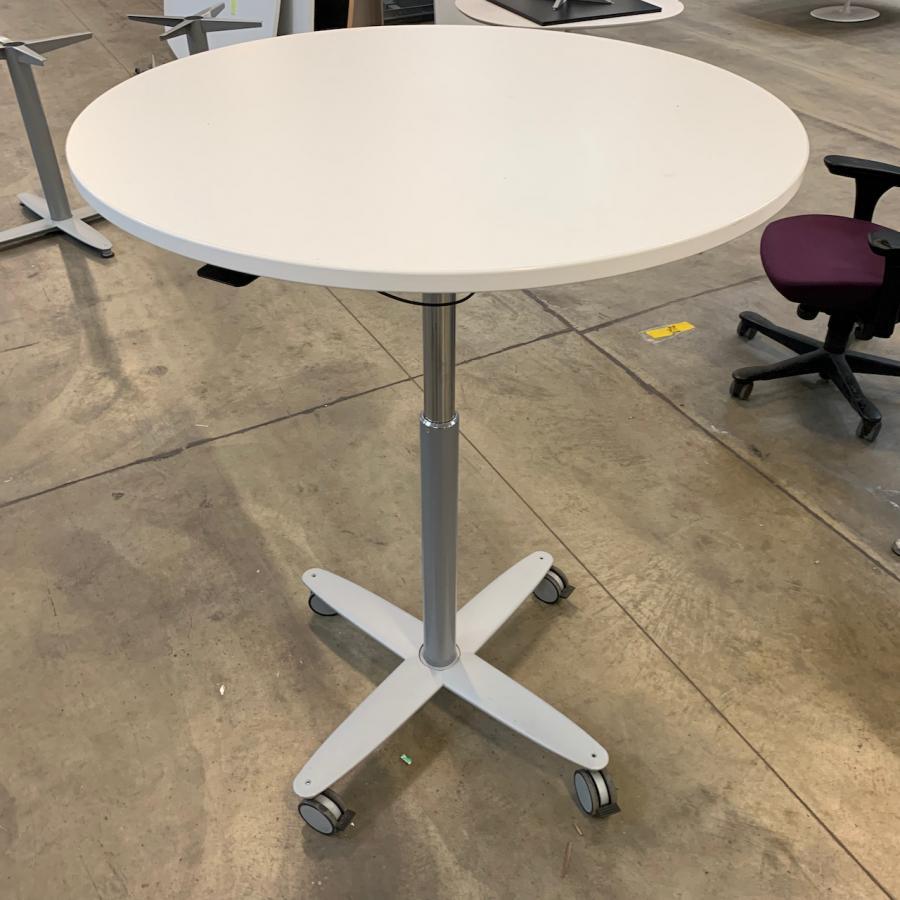 Kinnarps White 900D Height Adjustable Round Office