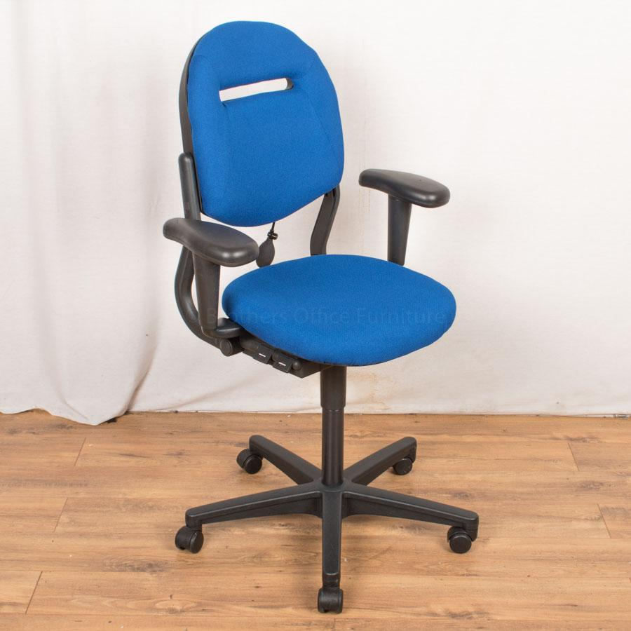 Ahrend 220 Operators Chair